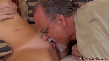 on carpet fucks daddy Eating cum off table