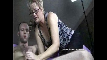 there2 fucking sister mums mum with Teens first fuckhymen