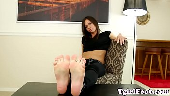 sniff toes stinky Amateur women anal toyed