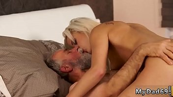 vedio se with mom dad and daugther full Older gay group
