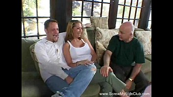 delivery guy wife flasing Girl frnd boob press