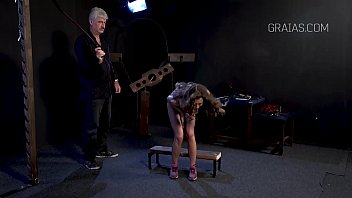 chinese sever spanking caning Kids captions deutsch