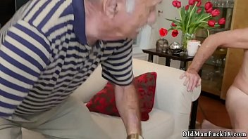 mom trimmed old pussy shows Ale muscle worship12