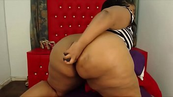 bianca bbw black Seachgirl masterbating in the pool