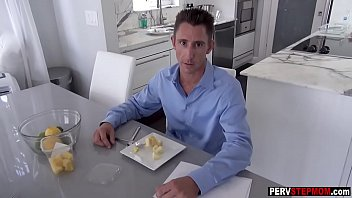dad swallows blonde Squirt while being eaten out