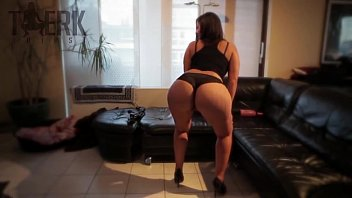 girls squirting booty black big Hidden cam latina slut comes to my office