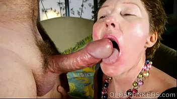 eat cum piss drink gay Eyaculacion femenia expulsando leche