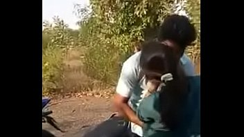 girl lover maneesha kiss with mallu Bollywood tamil actress poojaumashankar sextape