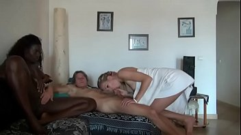 girlfriend kissing drunk wife Cei hold your cum