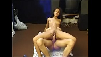 japonaise jeune vieille 100 guys cum inside her mouth