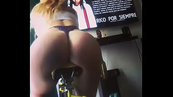 culiando7 chilenas viejas Naughty babe is casting a spell with her mouth
