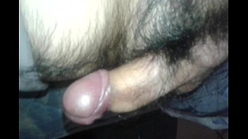im mal noch lkw Babes takes a piss in toilet