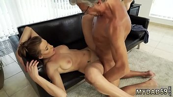 fuck gril father Jerking off onto wifes pussy and smearing it in